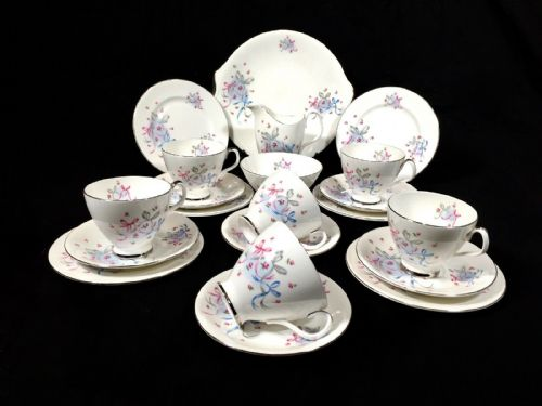 Vintage Royal Albert Buttons & Bows Tea Set for 6 People / Cup / Trio / Saucer